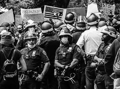 police at a BLM protest